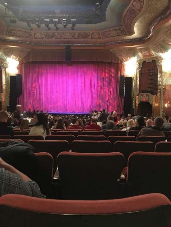 Paramount Theatre (Aurora), secção: Orchestra, fila: LL, lugar: 14