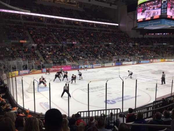 Allen County War Memorial Coliseum, secção: 206, fila: 10, lugar: 3