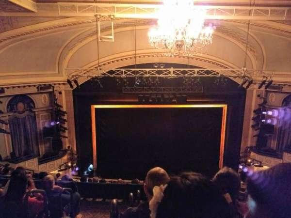 Ambassador Theatre, secção: Rear Mezzanine C, fila: E, lugar: 102and104