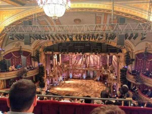 Richard Rodgers Theatre, secção: Rear Mezzanine C, fila: B, lugar: 101and102