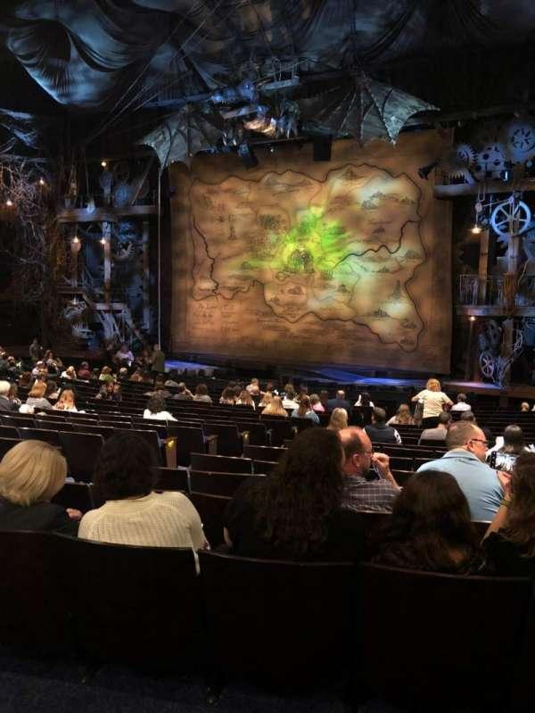 Gershwin Theatre, secção: Orchestra R, fila: Q, lugar: 12