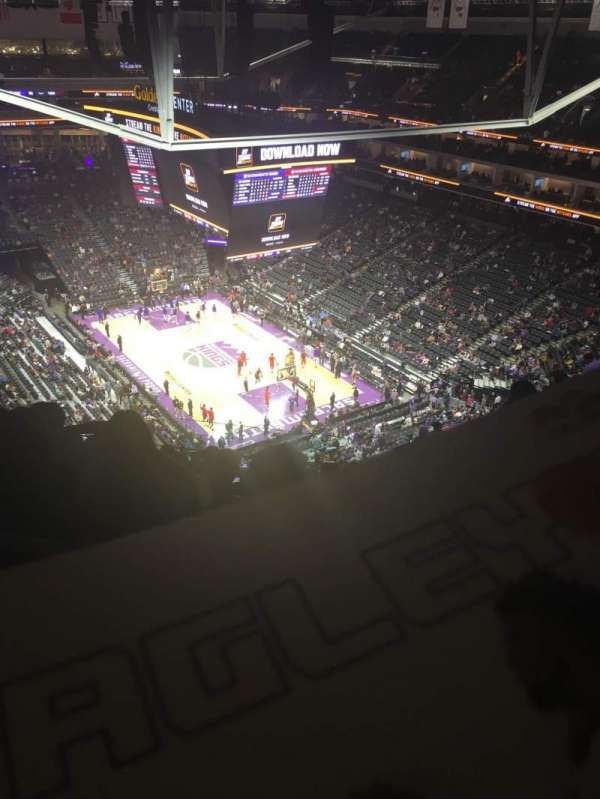 Golden 1 Center, secção: 214, fila: R, lugar: 5