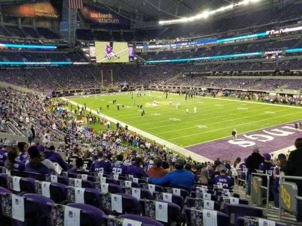 U.S. Bank Stadium, secção: 103, fila: 28, lugar: 1