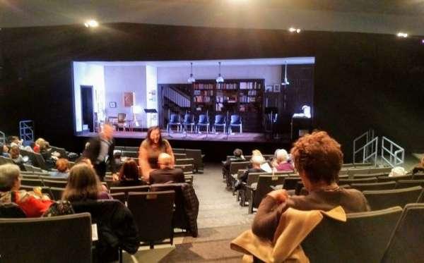 Laura Pels Theatre, secção: Orch, fila: P, lugar: 2