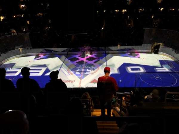 Scotiabank Arena, secção: 321, fila: 10, lugar: 1-2