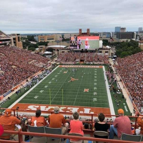 Texas Memorial Stadium, secção: 115, fila: 10, lugar: 7