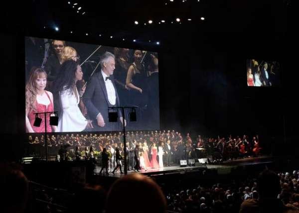 The O2 Arena, secção: 102, fila: J, lugar: 53