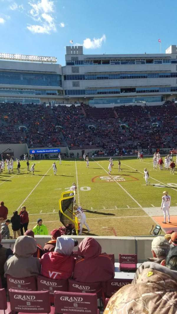 Lane Stadium, secção: 15, fila: N, lugar: 10
