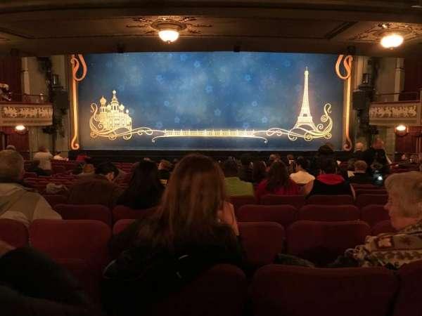 Broadhurst Theatre, secção: Orchestra C, fila: R, lugar: 108