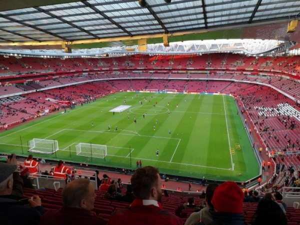 Emirates Stadium, secção: Clock end, fila: 18, lugar: 850