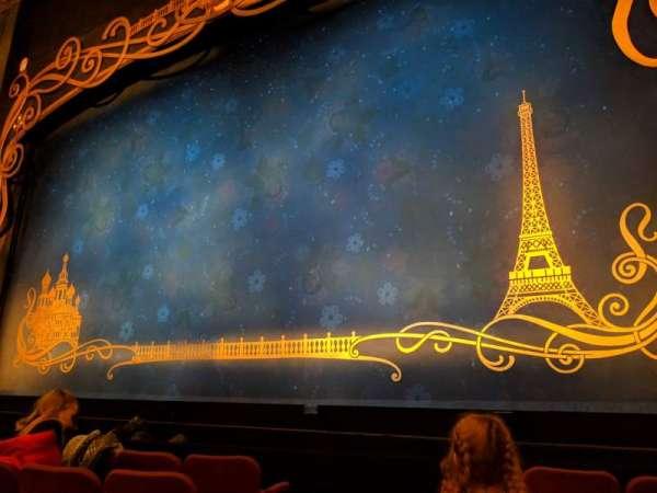 Broadhurst Theatre, secção: Orchestra R, fila: E, lugar: 4