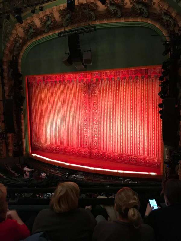 New Amsterdam Theatre, secção: Mezzanine R, fila: CC, lugar: 12