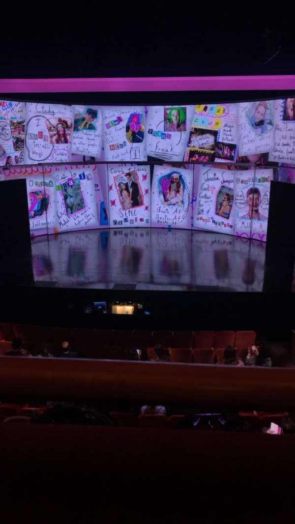 August Wilson Theatre, secção: Mezzanine C, fila: A, lugar: 104