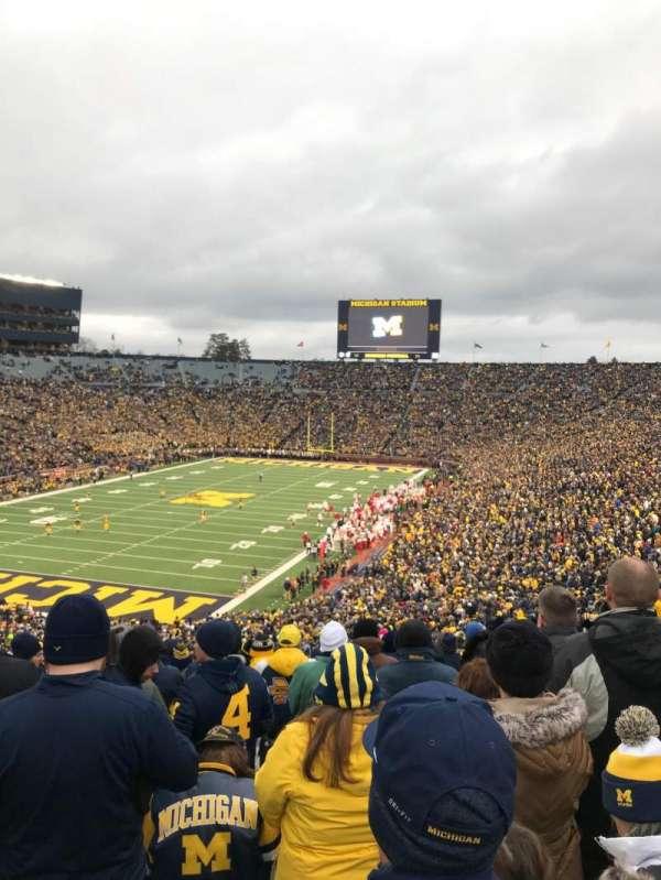 Michigan Stadium, secção: 9, fila: 77, lugar: 30