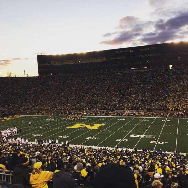 Michigan Stadium, secção: 42, fila: 61, lugar: 4