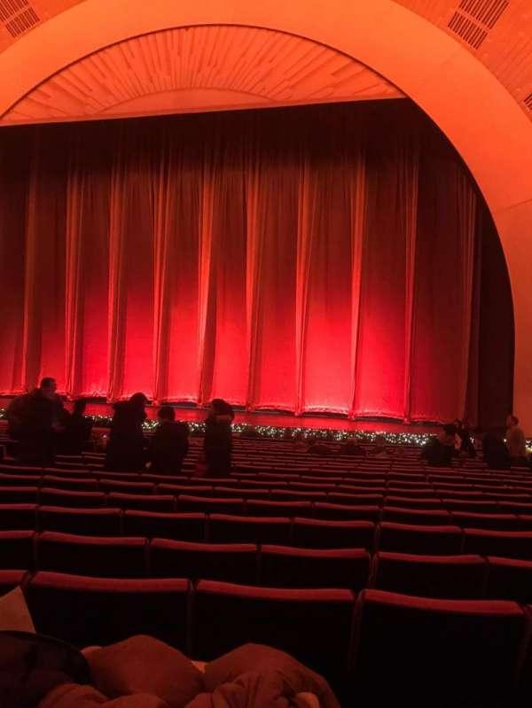 Radio City Music Hall, secção: Orchestra 3, fila: Uu, lugar: 305