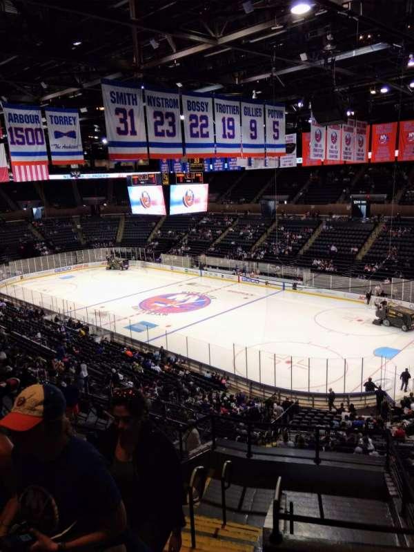 Nassau Veterans Memorial Coliseum, secção: 238, fila: 8, lugar: 14