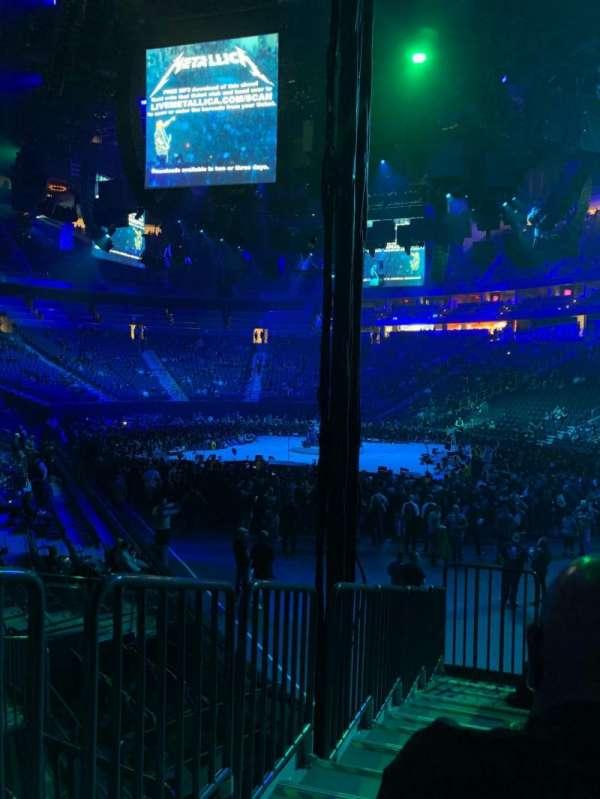 T-Mobile Arena, secção: 19, fila: H, lugar: 1