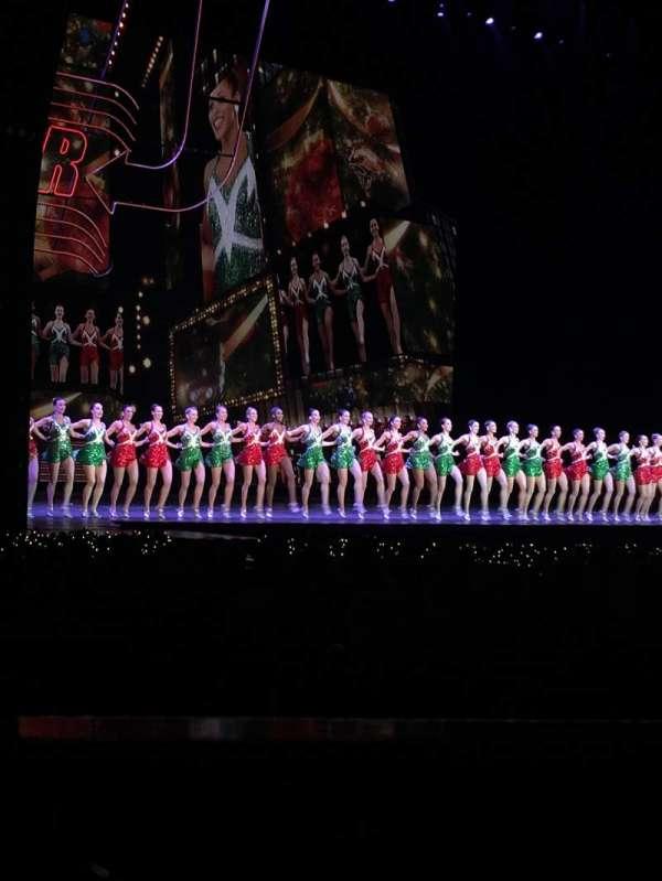 Radio City Music Hall, secção: Orchestra 7, fila: WW, lugar: 701