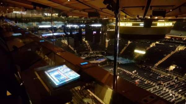 Madison Square Garden, secção: 328, fila: 1, lugar: 1