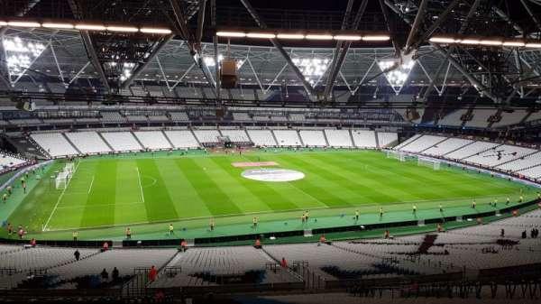 London stadium, secção: 233, fila: 65, lugar: 318