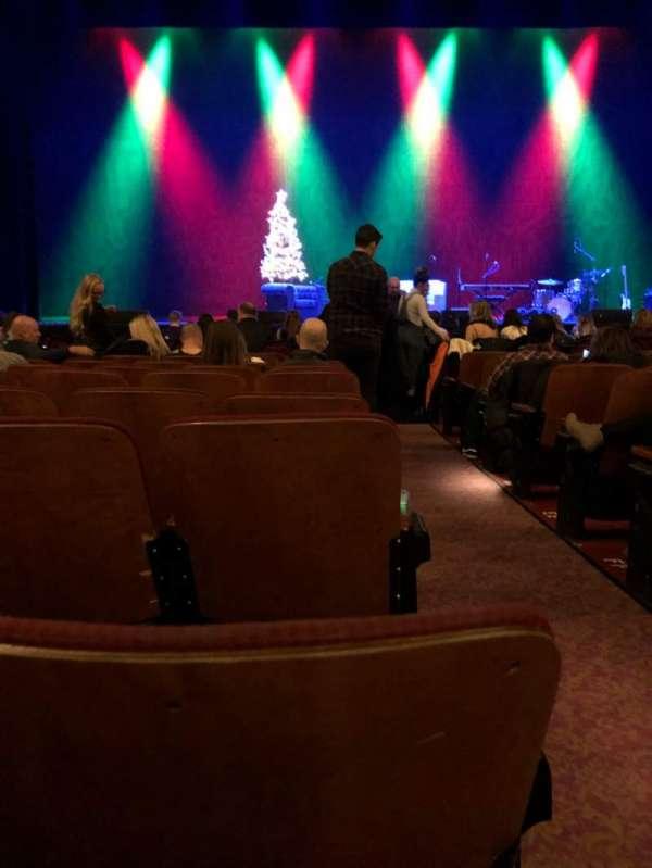 Chicago Theatre, secção: MNFL4L, fila: JJ, lugar: 401