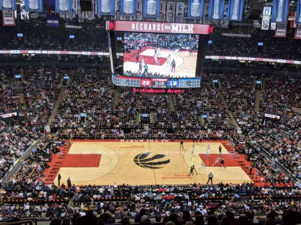 Scotiabank Arena, secção: 321, fila: 10, lugar: 21