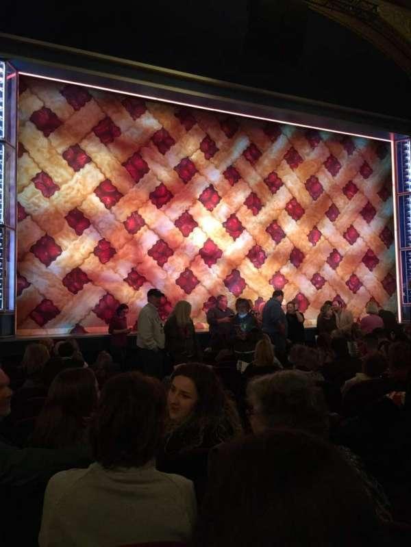 Brooks Atkinson Theatre, secção: Orchestra, fila: K, lugar: 5