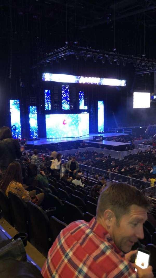 The O2 Arena, secção: 102, fila: T, lugar: 84
