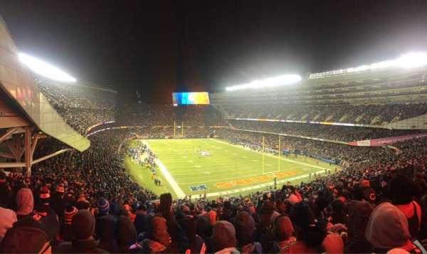 Soldier Field, secção: 325, fila: 10, lugar: 5