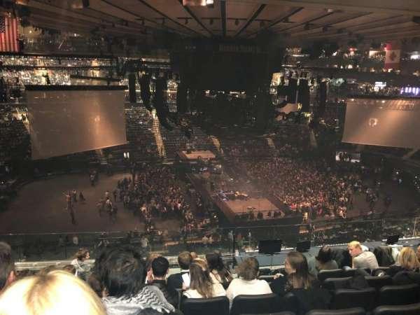 Madison Square Garden, secção: 223, fila: 10, lugar: 4