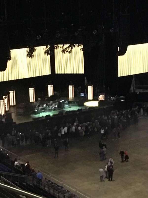 The O2 Arena, secção: 406, fila: F, lugar: 596