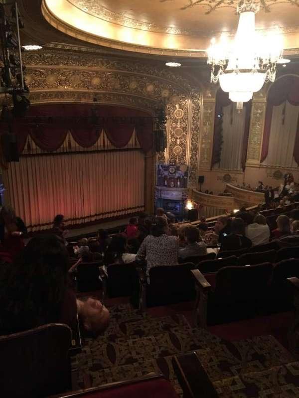Warner Theatre (Washington, D.C.), secção: MIDBAL, fila: KK, lugar: 25