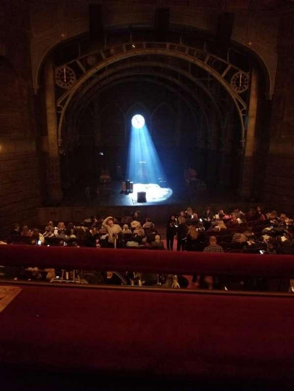 Lyric Theatre, secção: Dress Circle Center, fila: A, lugar: 106
