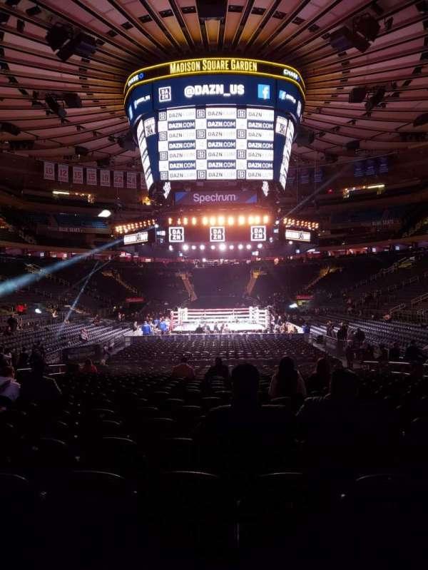 Madison Square Garden, secção: 102, fila: 6, lugar: 8
