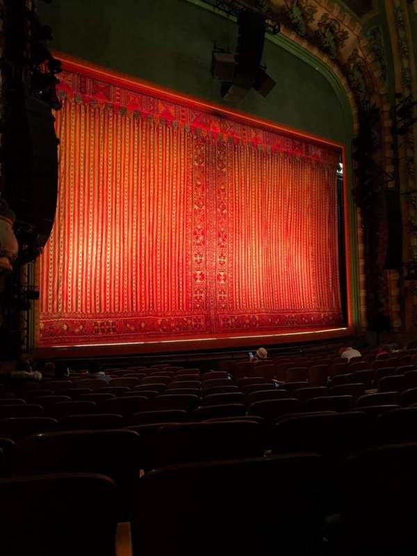 New Amsterdam Theatre, secção: Orchestra L, fila: N, lugar: 17/19