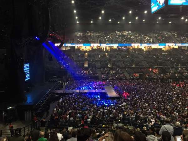 AccorHotels Arena, secção: N, fila: 5, lugar: 32