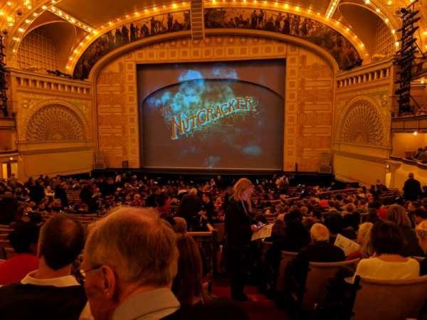 Auditorium Theatre, secção: Dress-RC, fila: GG, lugar: 201