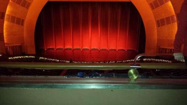 Radio City Music Hall, secção: 2nd Mezzanine 4, fila: B, lugar: 401