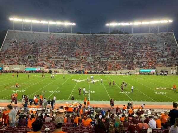 Lane Stadium, secção: 10, fila: BB, lugar: 26