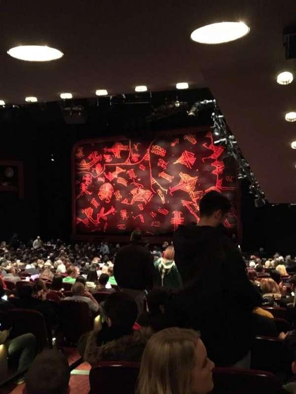 Minskoff Theatre, secção: Orchestra R, fila: YY, lugar: 6