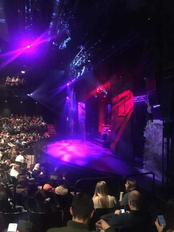 Gillian Lynne Theatre, secção: Stalls, fila: M, lugar: 9
