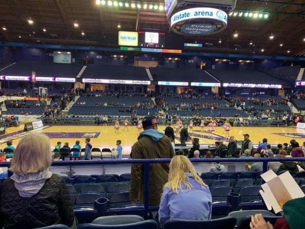 Allstate Arena, secção: 110, fila: C, lugar: 13