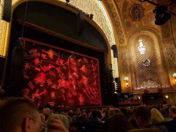 Paramount Theatre (Seattle), secção: MF4, fila: R, lugar: 5