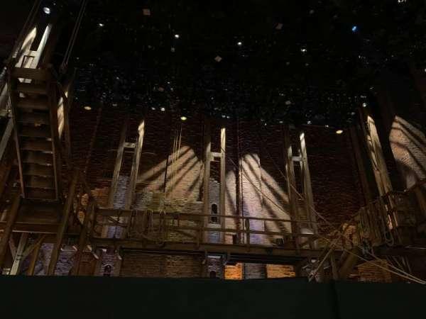 CIBC Theatre, secção: Orchestra C, fila: B, lugar: 103