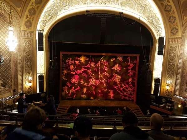 Paramount Theatre (Seattle), secção: M13, fila: E, lugar: 2