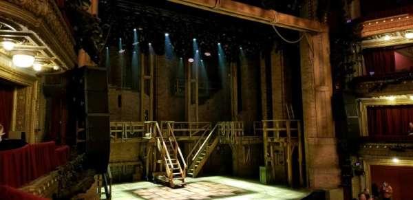 CIBC Theatre, secção: Dress Circle Box 1, fila: BX1 right, lugar: 207