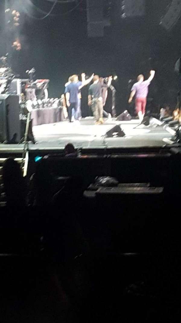 Hard Rock Live at Etess Arena, secção: 214, fila: D