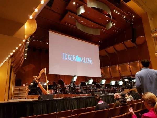 David Geffen Hall, secção: Orchestra 4 Front left, fila: J, lugar: Seat 25