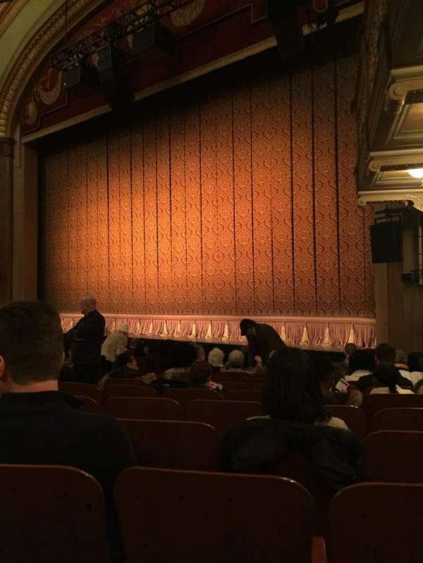 Booth Theatre, secção: Orchestra R, fila: K, lugar: 10
